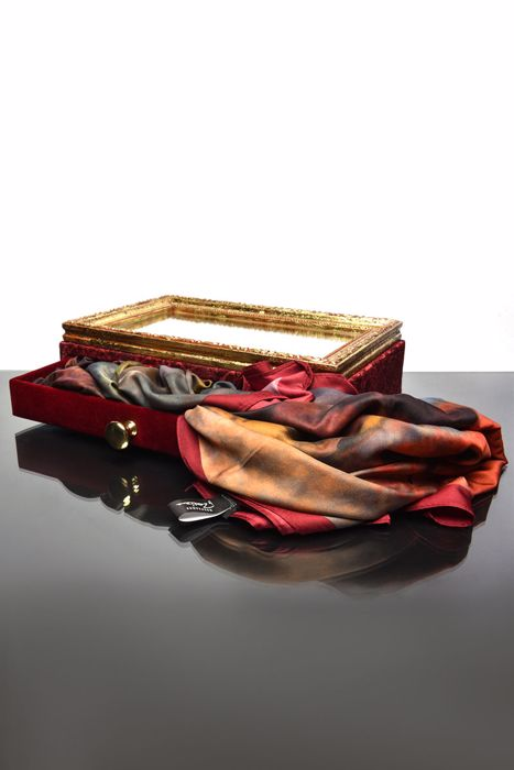 Picture of Signature Rose Drawer box