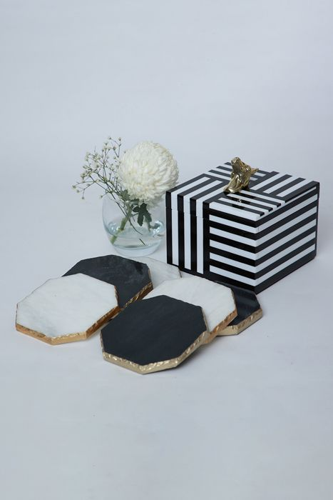 Monochrome Coaster box