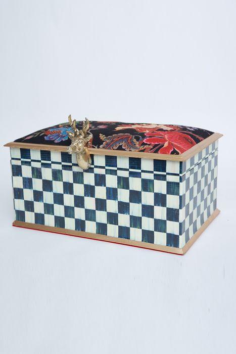 Picture of MacKenzie Winter box