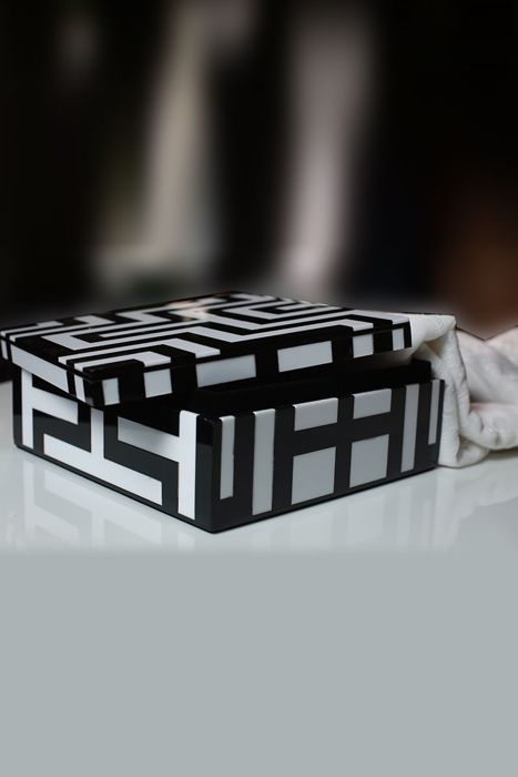 Picture of Monochrome maze